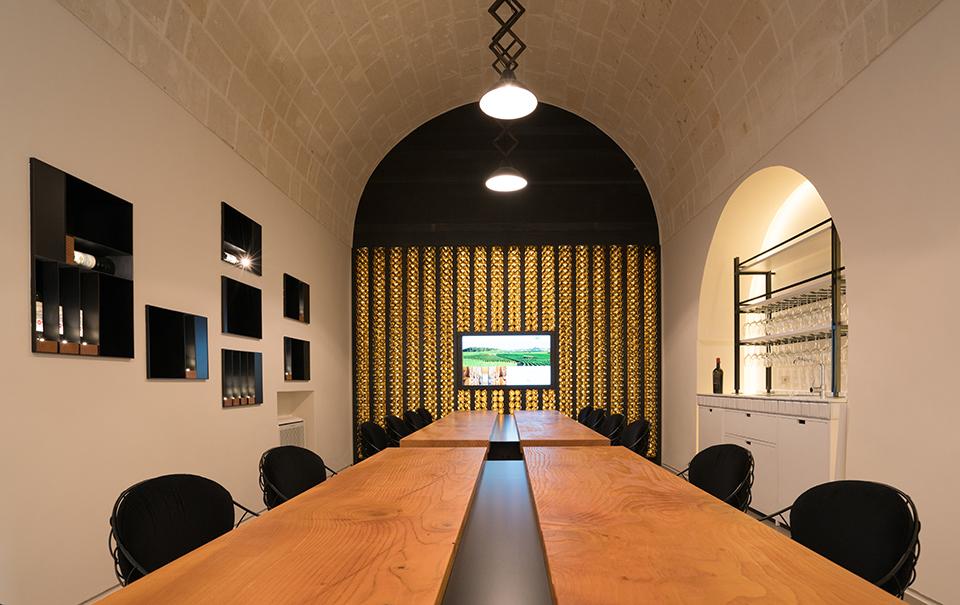 Sala del Cedro presso Masseria Amastuola: location per eventi MICE